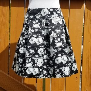 Black and white flower midi skirt